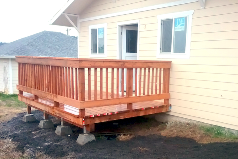Custom Deck Builders Portland Oregon